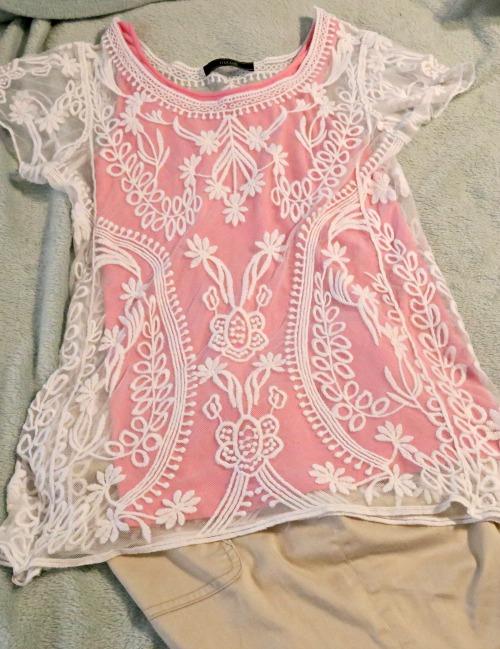 lace white w pink tan pants