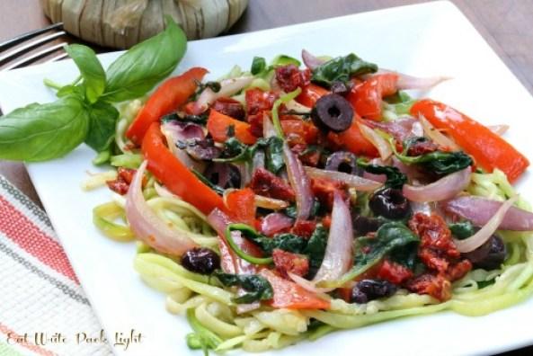 zucchini pasta with sundried tomatoes 2