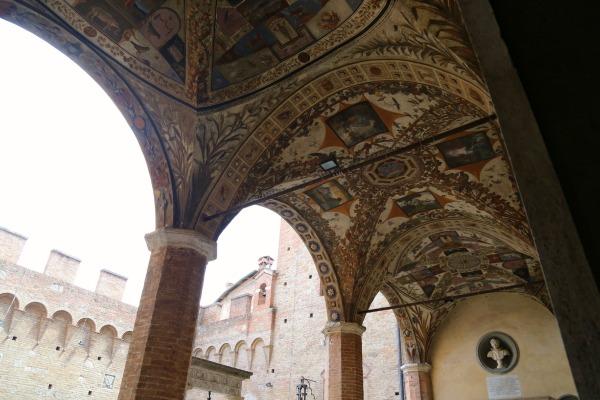 Siena ceiling