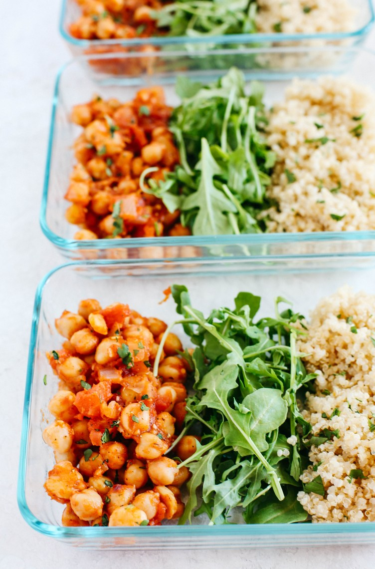 Spicy chickpea quinoa meal prep bowls