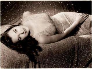 1940's femme fatale Ella Raines