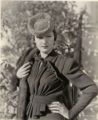 Dorothy Lamour in fur