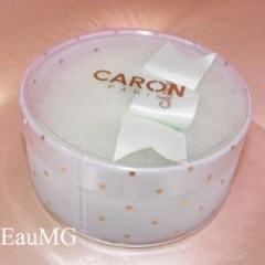 Caron powder puff