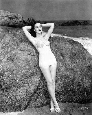 Dorothy Hart at the beach