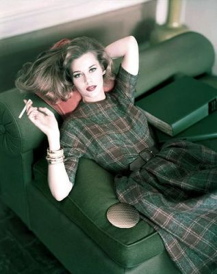 Jane Fonda smoking