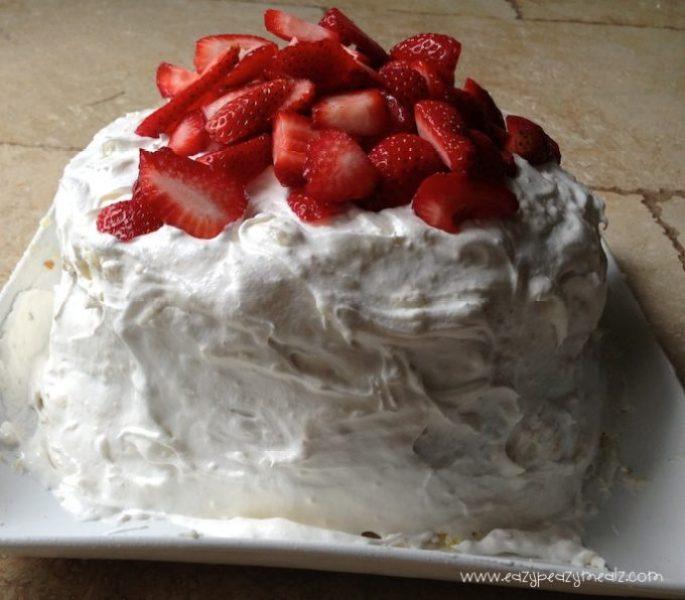butter cake strawberry cream