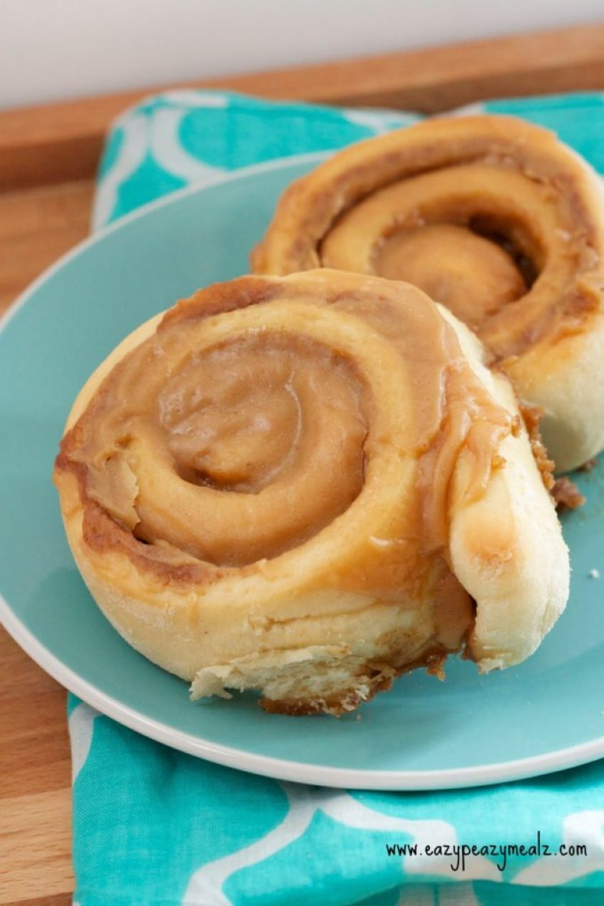 cookie butter cinnamon rolls