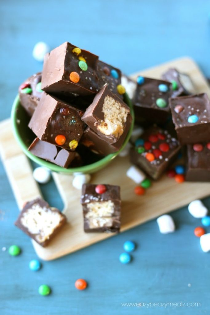 chocolate covered rice krispies treats, a simple dessert or snack, rice kristpie candy bar bites