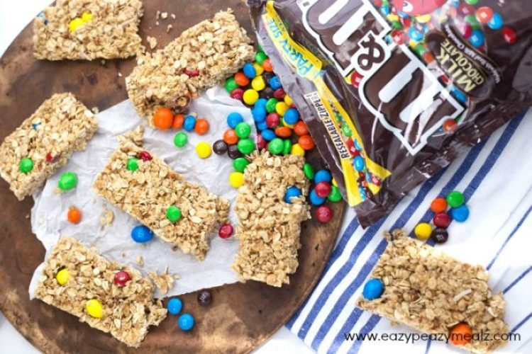 M&M-Granola-Bar-Recipe-2