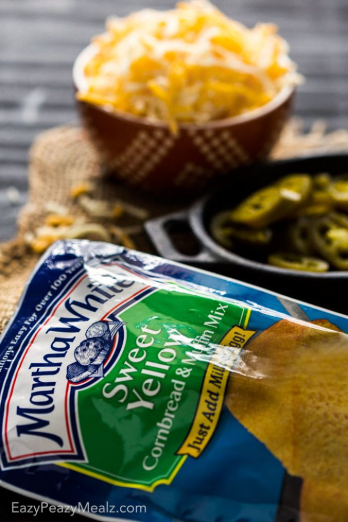 Jalapeno Cornbread: is simple to make, and the perfect side dish to go with your favorite soups, stews, and chili. A southern classic!