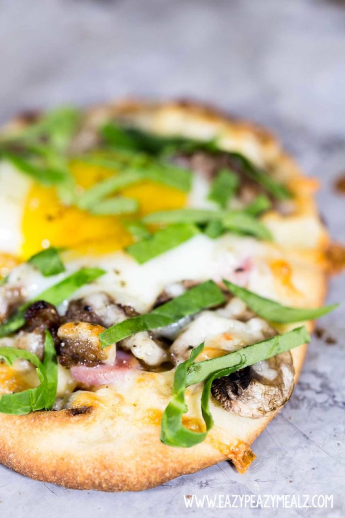 a hearty breakfast recipe, breakfast flatbread is simple and delicious