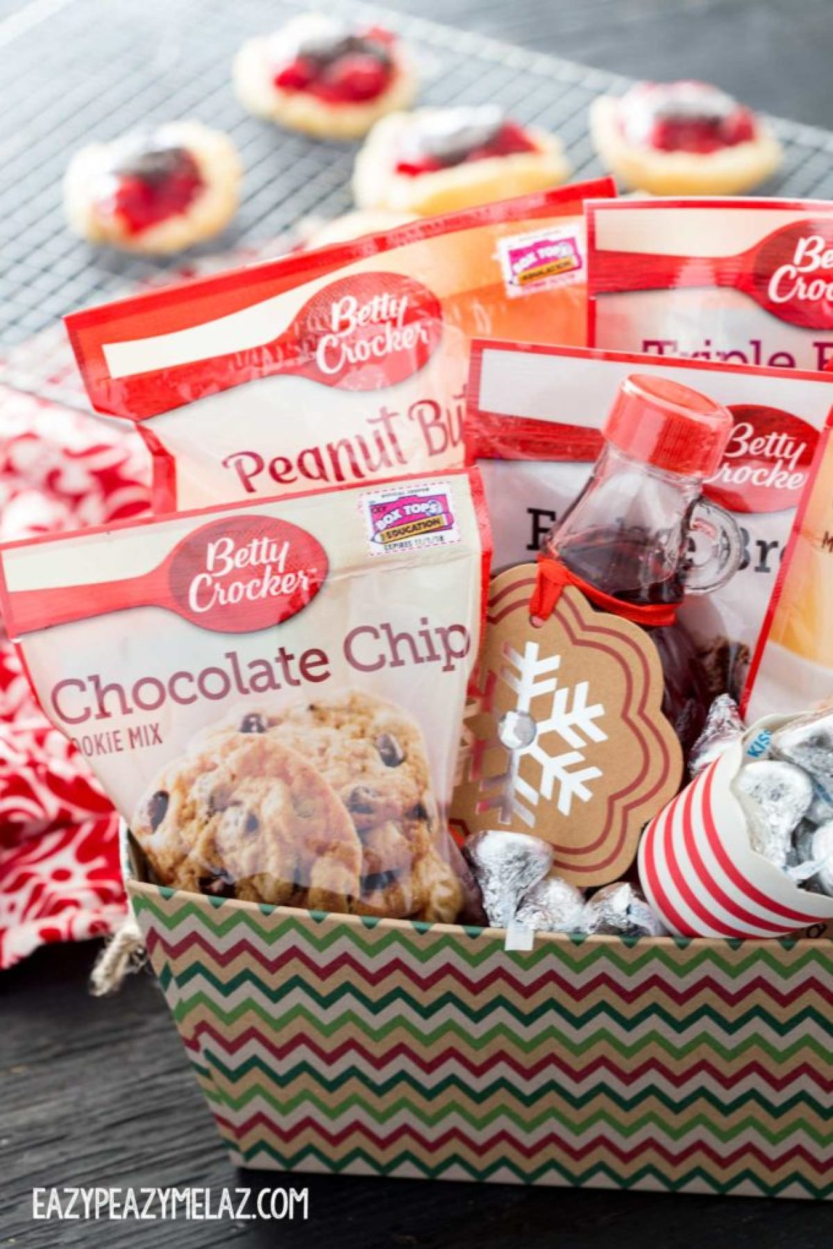 give-cheer-basket-with-cookie-cups
