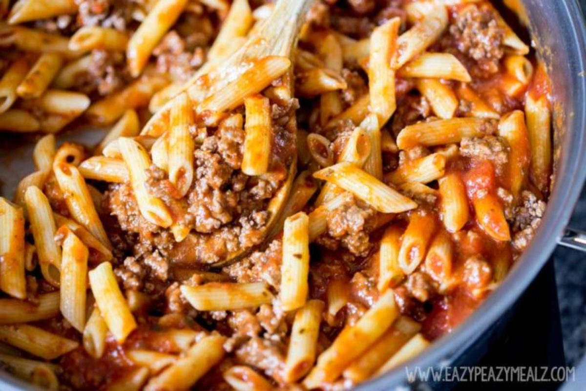 one pot pasta, beef marinara penne pasta, a simple pasta dinner, an easy weeknight meal