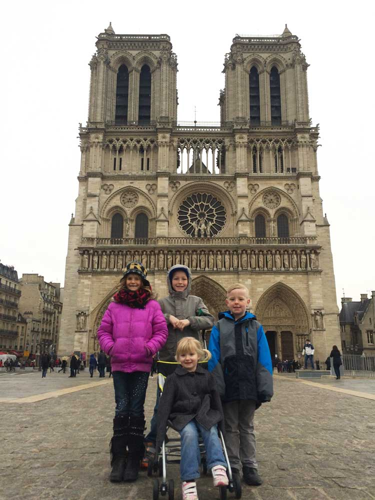 Notre-Dame-Kids