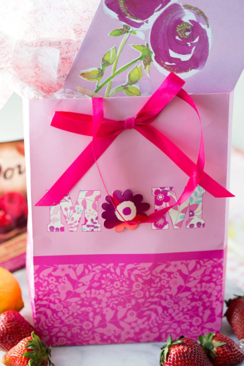 gift-wrapping-american-greetings