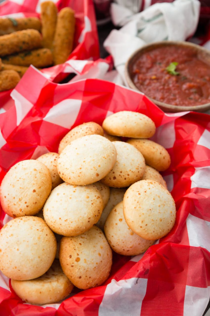Mozzarella bites and marinara, a great combo