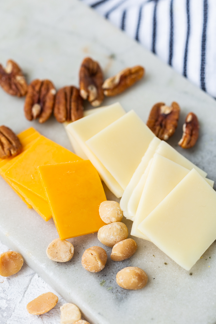 Cheese and nuts are low carb, keto friendly snacks