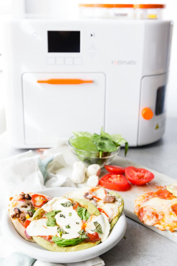 Making a personal pizzas in your Rotimatic and topping them 6 ways.