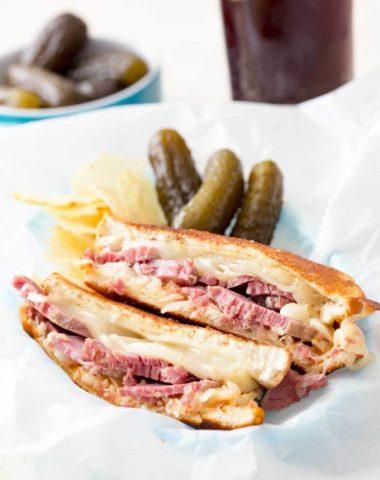 Reuben sandwich recipe, corned beef sandwich with a twist