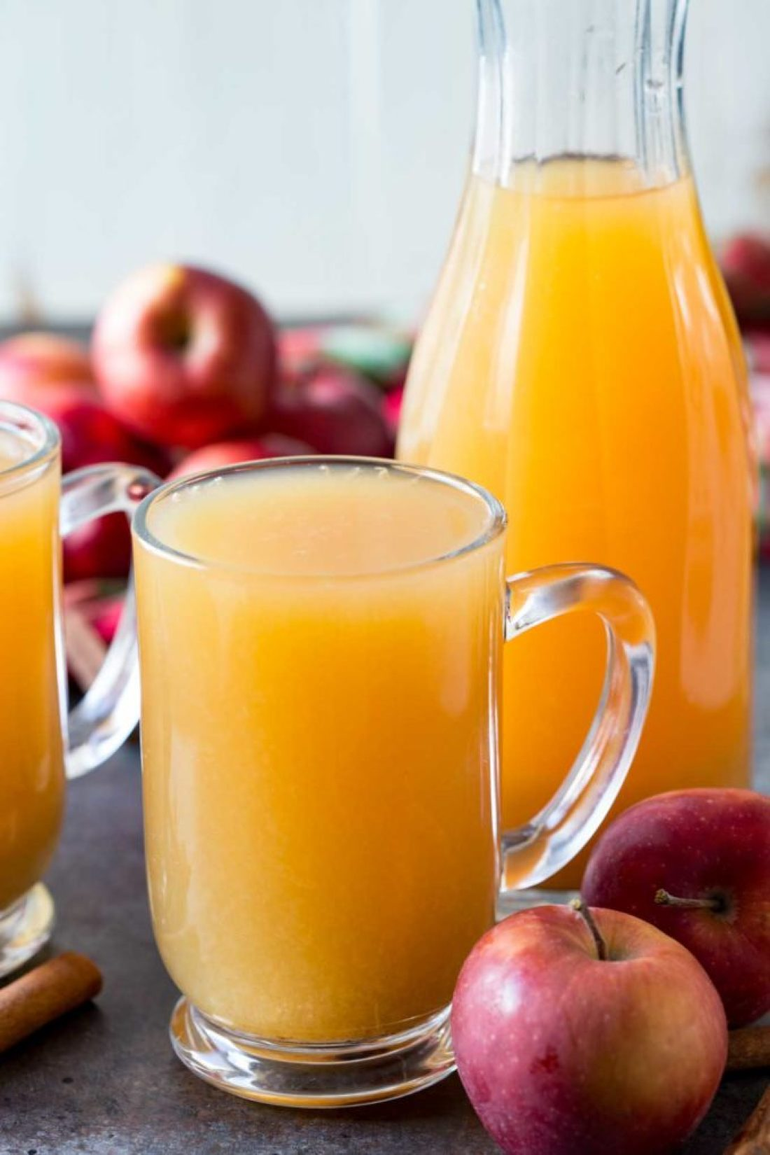 Wassail punch a holiday hot drink that is