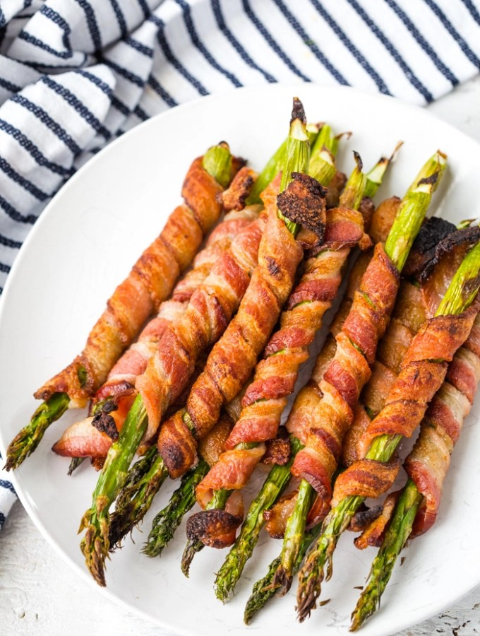 Bacon wrapped asparagus is a fantastic low carb or keto friendly snack