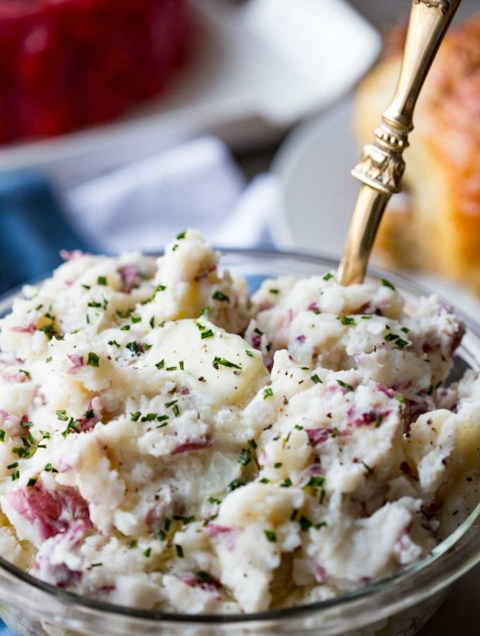 Super creamy and easy mashed potatoes