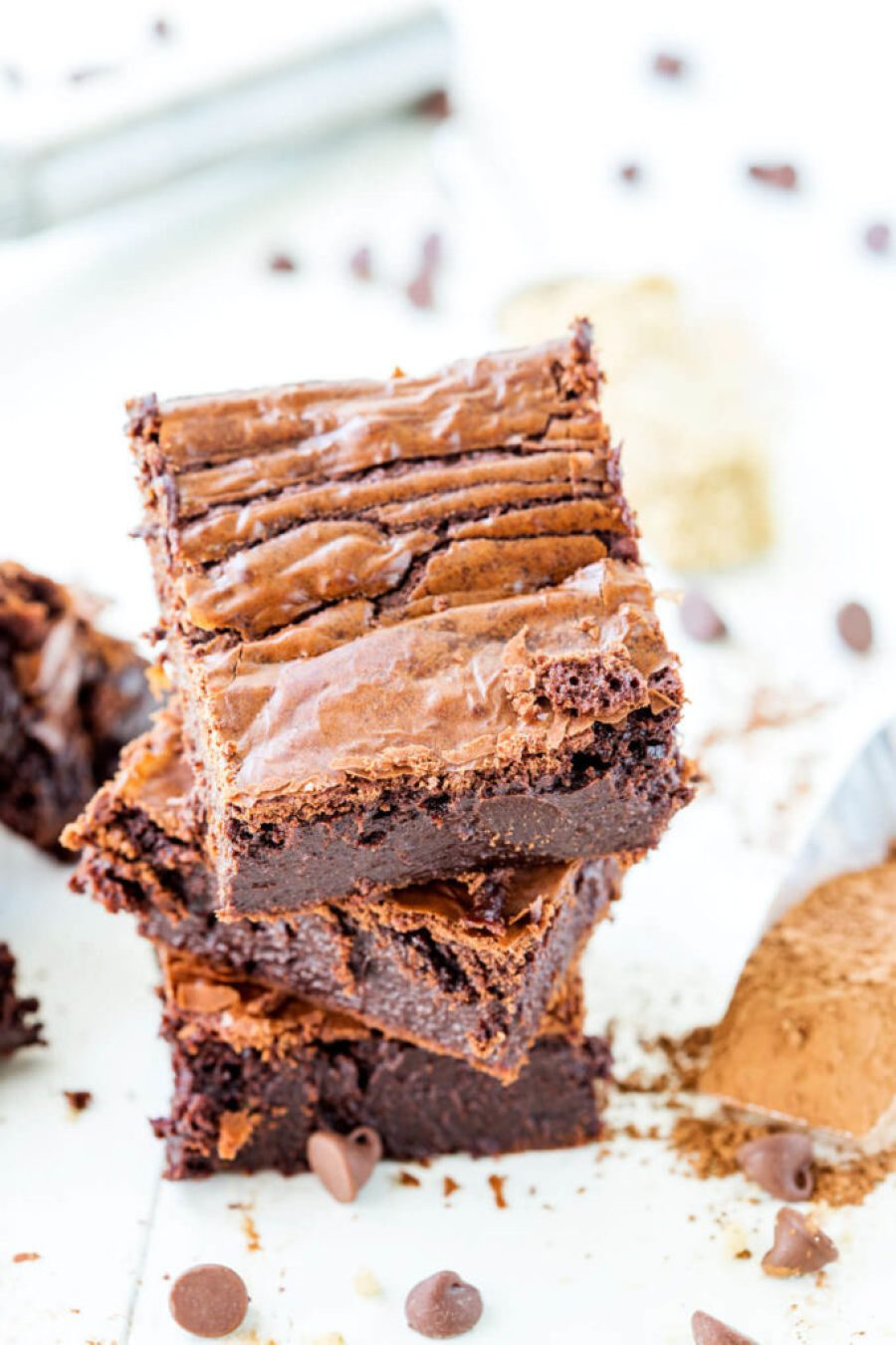 RIch and moist, these fudgy chocolate brownies are so amazing.