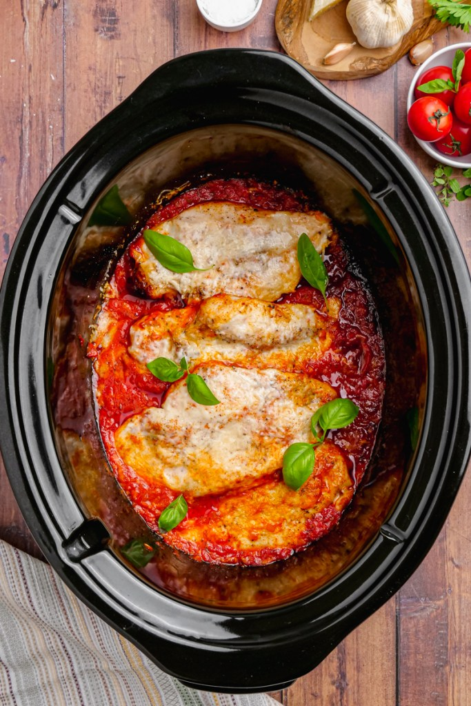 chicken pomodoro in a black slow cooker