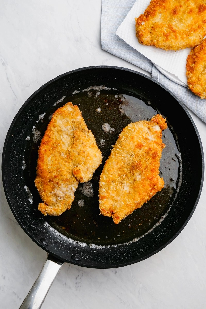 pan frying chicken cutlets