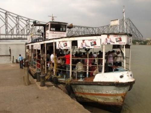 Hooghly River Ferry & Howrah Bridge
