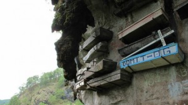 Hanging Coffins of Echo Valley