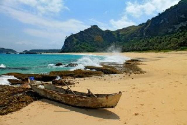 Cababaan Cove, Calayan Island