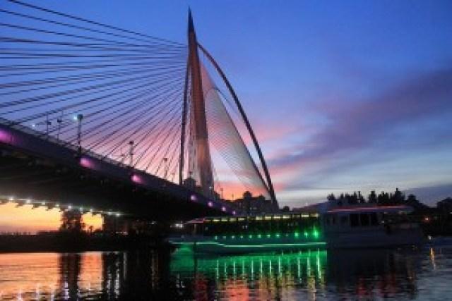 Cruise Tasik Putrajaya & Seri Wawasan Bridge