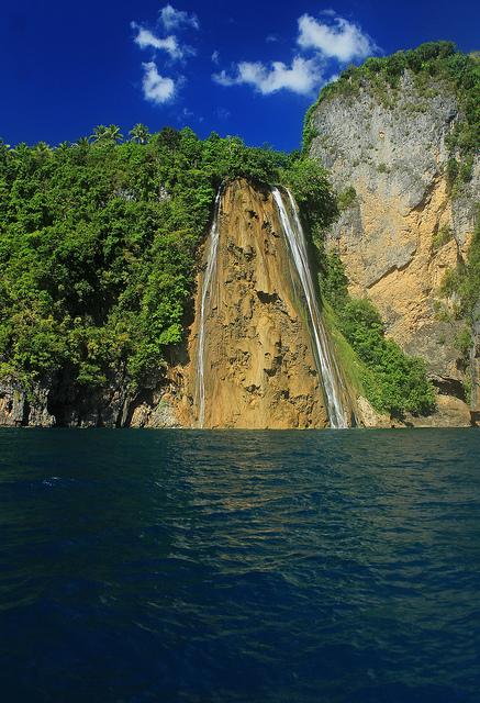 Ticao Island, Masbate: Island Hopping in Monreal