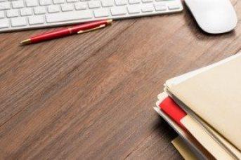Schreibtisch-Stift_S