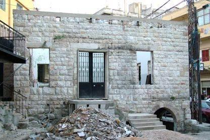 المدخل الرئيسي لمسجد العين خلال التجديد عام 2008