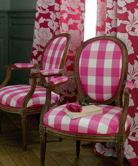 gingham_chairs