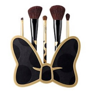 Brush up on Glamour - Minnie's Beauty Tools