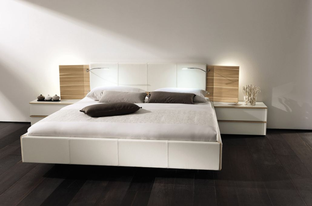lits en bois modernes fabriqu s en c te d 39 ivoire par. Black Bedroom Furniture Sets. Home Design Ideas