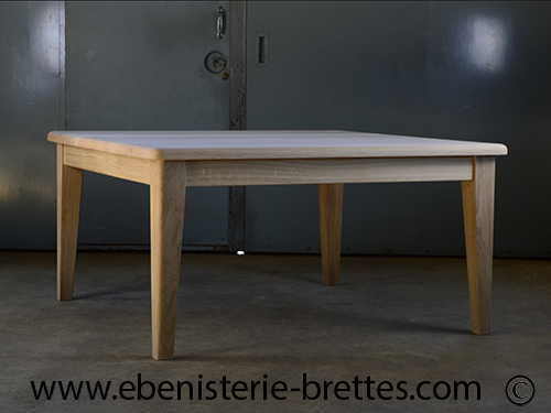 table bois carre bordeaux