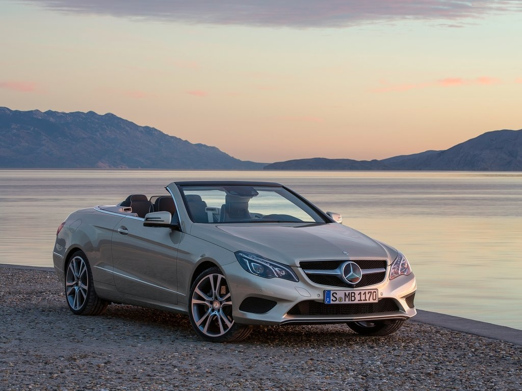 Mercedes benz e class cabriolet review for Mercedes benz residual value