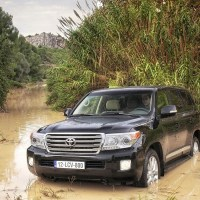 Toyota Land Cruiser 4×4 V8 Review