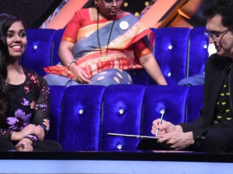 Omung Kumar drew a sketch of Indian Idol 12 contestant Shanmukhapriya