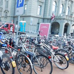 S-Pedelecs - parking v Bernu, Švýcarsko