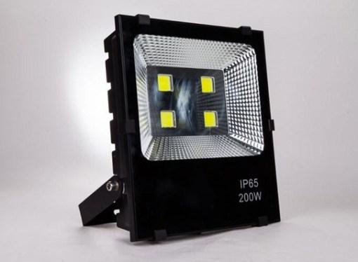 Grupo Núcleo presentó soluciones luminarias para vía pública, comercios y hogares