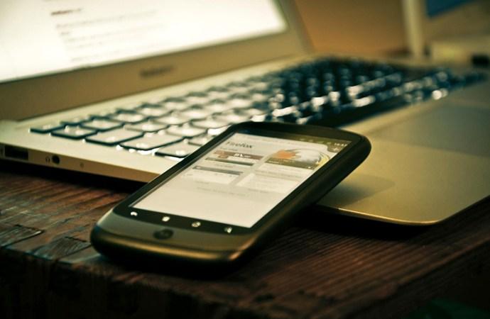 Internet: el 80% se conecta a la red desde un teléfono celular