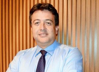 Carlos Francisco Bernal lidera las ventas de Servicios Financieros regionales en Unisys