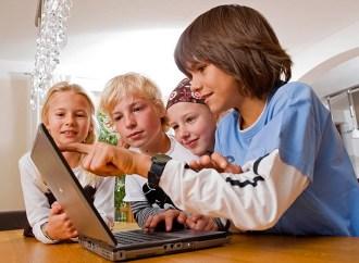Los niños pasan la mayor parte de sus vidas en línea a medida que crecen