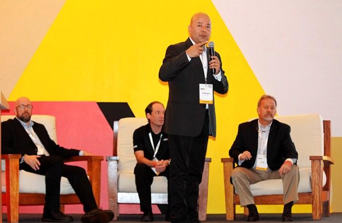 Axis reúne a sus socios de negocio