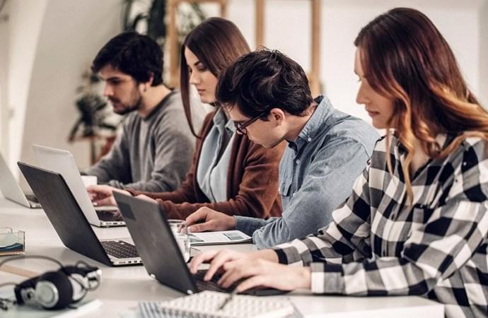 La mayoría de los jóvenes universitarios no trabaja de lo que estudia